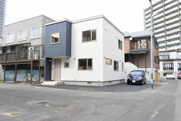 札幌市西区 琴似三条2丁目 (琴似駅) 2階建 4LDK