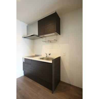 ◆キッチン(4.3帖)◆2口IHコンロ付きです!水栓はシングルレバーを採用してます!上下セパレートタ