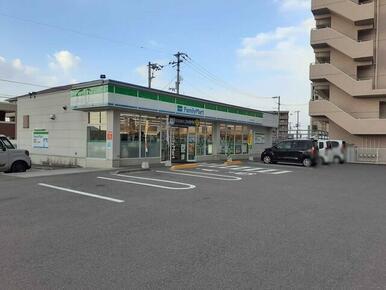 ファミリーマート坂井町店様