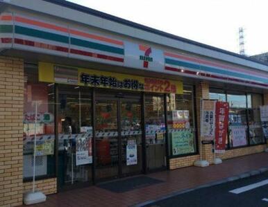 セブンイレブン横浜榎が丘店