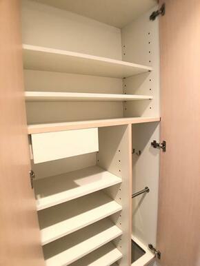 下駄箱「十分な広さの収納です。」