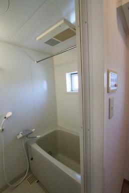 バスルーム/追焚き&浴室乾燥機付き