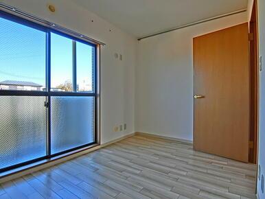 ★玄関側の洋室含め2面バルコニーで風通しも良好です★