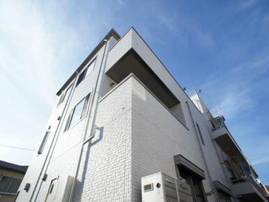 積水ハウスの賃貸住宅「シャーメゾン」♪3階建ての賃貸マンションです☆