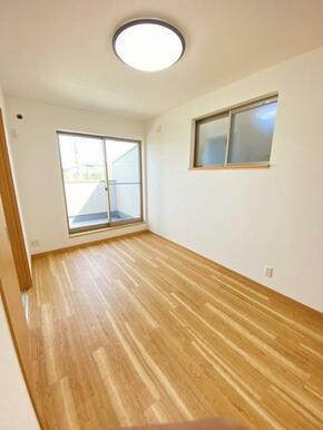 2階約5.3帖洋室 別角度