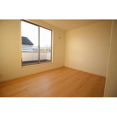 各居室に収納付きでお部屋を広く使えます
