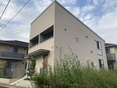 2戸で構成されるスタリースカイ。画像左が101・右が102号室です。賃貸住宅の新しいコンセプトに挑戦