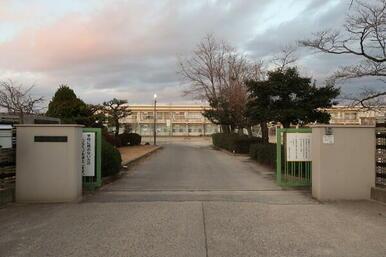 岡崎市立六名小学校
