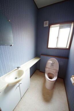 1階トイレは手洗い場付きです!