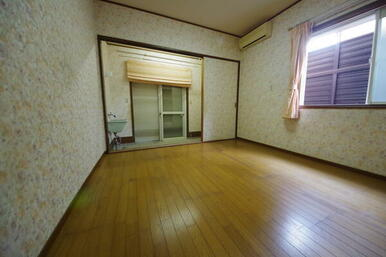 1階リビング横洋室サンルーム付き!