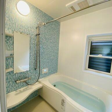浴室暖房乾燥機付きの1坪タイプのバスルーム