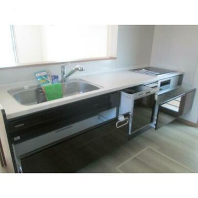 システムキッチンです。食器洗い機付き。