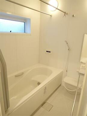 ●16×18広々浴室+浴室換気暖房乾燥機付き