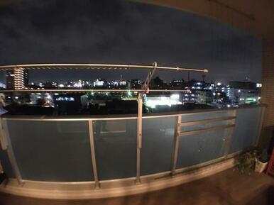 【バルコニー】夜景の見える南側バルコニー!