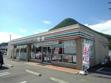 セブンイレブン丸亀飯山町川原店