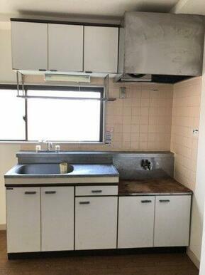 2口ガスコンロ設置可能なキッチンでお料理をお楽しみください