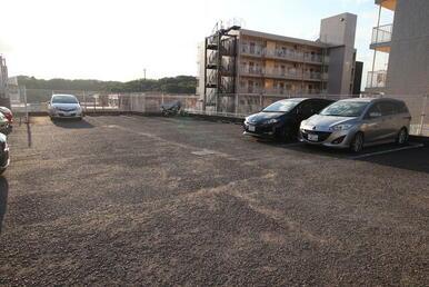 敷地内駐車場(※入居者様のみの貸出)
