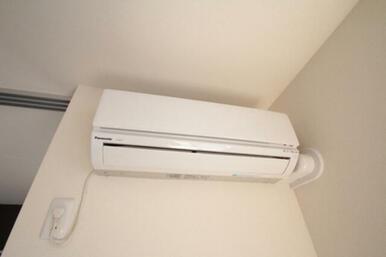 LDKにエアコンを1台導入済☆夏は涼しく・冬は暖かく過ごせます♪