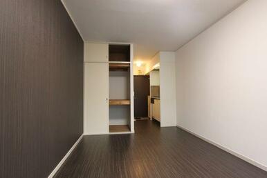※同じタイプのお部屋の写真です。フローリング・クロスの色が異なります。