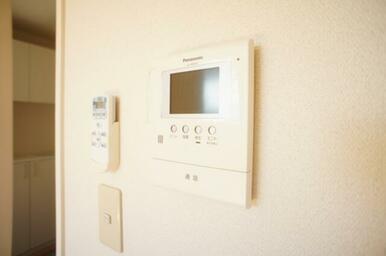 【その他設備】モニター付インターホンなので、安全・安心ですね♪
