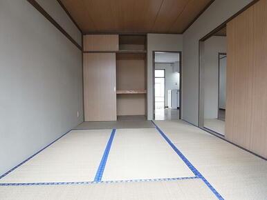 収納スペースがあり、お部屋を広々使えます♪※別のお部屋の写真です