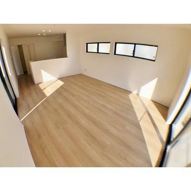 (4号棟LDK) 開放感に満たされる、家族の和み空間。