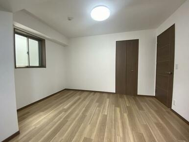 北東側洋室(2)
