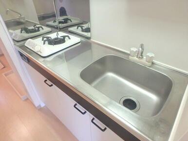 1口ガスコンロ設置済みのキッチン