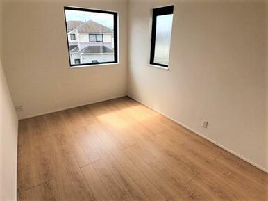 【2号棟洋室】6帖 木のぬくもりが優しいプライベートルーム♪