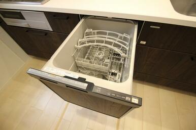 食洗器付きなので、家事する時間がない時でも安心です!