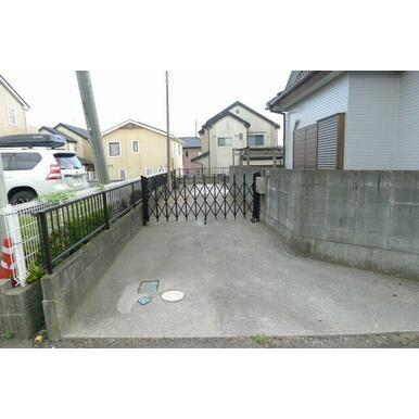 ゲートもあります。