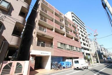 鉄筋コンクリート造の7階建てマンションです♪