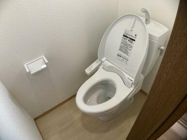 2Fトイレ新品交換済み