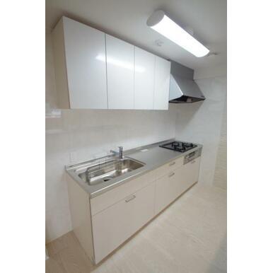 壁付けキッチンは、空間を有効に利用できます!