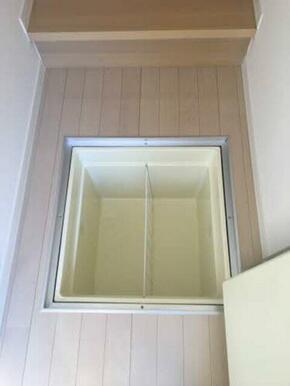 床下収納(玄関)