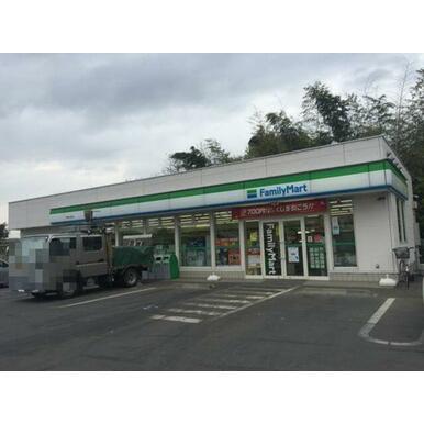 ■ファミリーマート下野仁良川店まで1300m徒歩17分