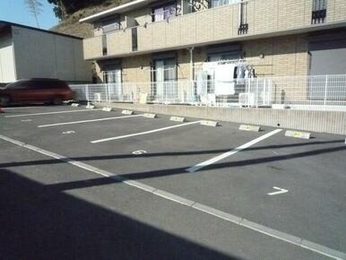 敷地内駐車場♪要空き確認