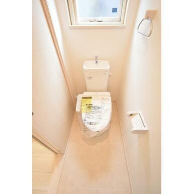 汚れがツルンと落ちるシャワートイレで毎日のお掃除が快適です。