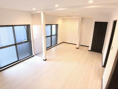 「1F南側洋室」 14.5帖と広々とした空間です。