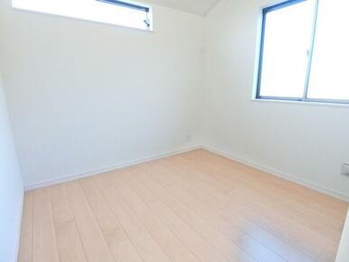 2階北東側洋室