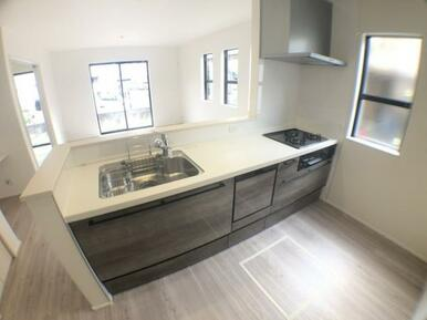 【キッチン】 食器洗い乾燥機標準装備の最新オープンキッチン!