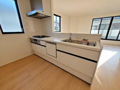 キッチン ご家族の様子を見ながらお料理出来るオープンキッチン!