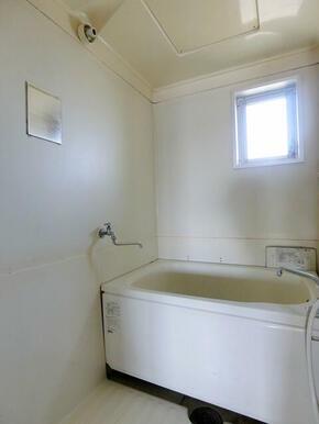 浴室に窓あります