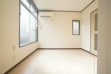 2面採光のお部屋です♪