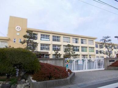 甲賀市立綾野小学校