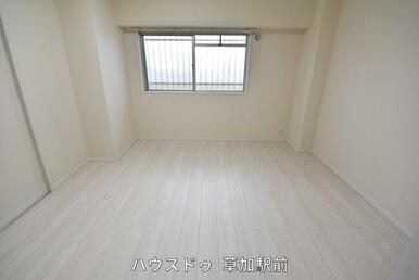 7.2帖収納付きの洋室です!床はフローリングになっているので、掃除も楽々です(*^-^*)