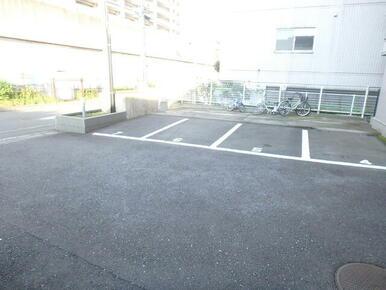 敷地内駐車場(空きの確認要)