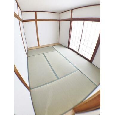 【和室】 家事スペースや客間としても使いやすい和室有!