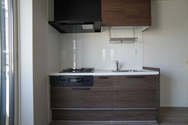 【キッチン】グリル付3口ガスコンロです☆ お料理の幅も広がります♪