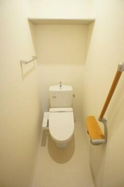 ☆温水洗浄便座付トイレ☆